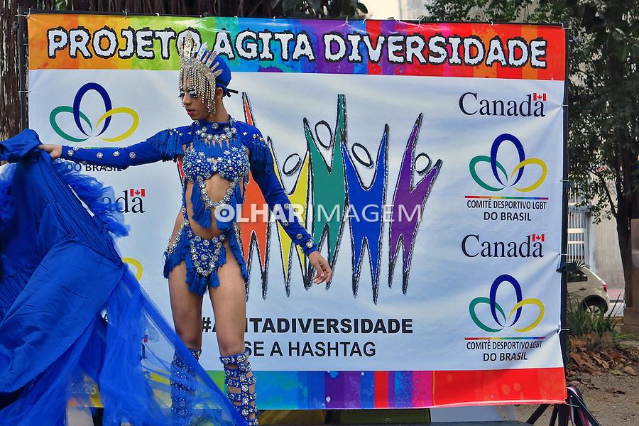 Concurso de dança de drag queen no Largo do Arouche. Sao Paulo. 2016. Foto de Marcia Minillo.