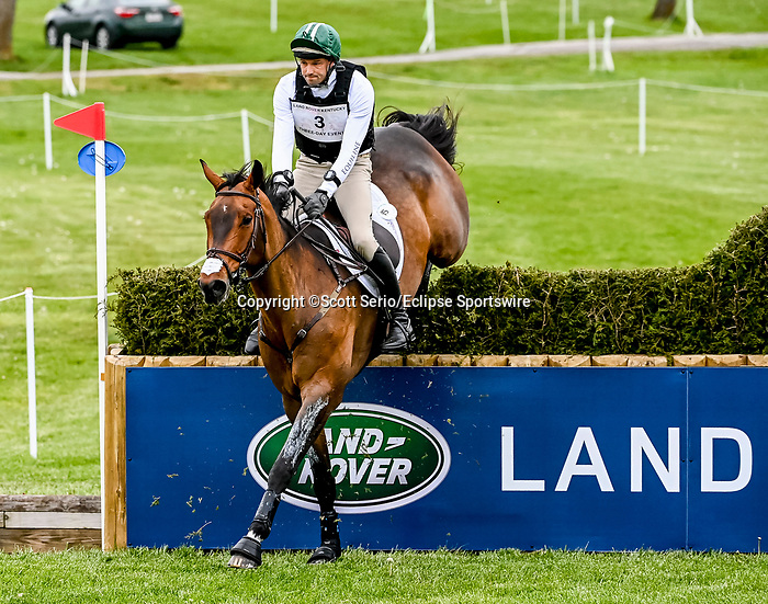 April 24, 2021: William Coleman competes in the Cross Country phase of the Land Rover 5* 3-Day Event aboard Dondante at the Kentucky Horse Park in Lexington, Kentucky. Scott Serio/Eclipse Sportswire/CSM