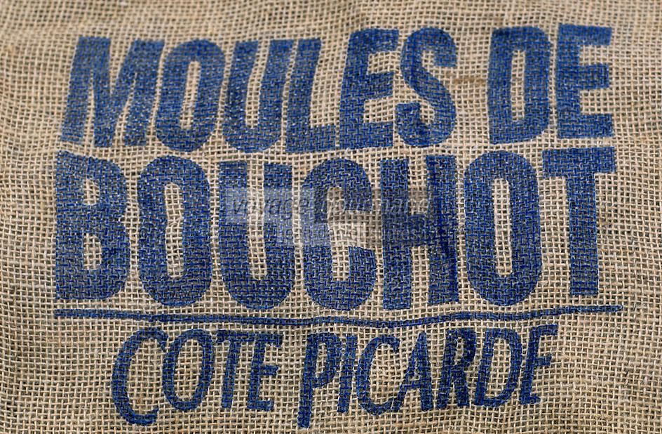 Europe/France/Picardie/80/Somme/Le Crotoy : Sac de moules de Bouchot