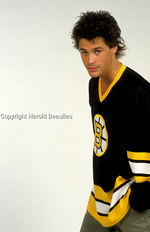 EXCLUSIVE FILE PHOTO :  Robe Lowe<br />  wearing hockey jerseys<br /> , circa 1985<br /> <br /> <br /> PHOTO : Harold Beaulieu<br />  - Agence Quebec Presse