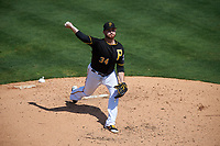 Pittsburgh Pirates starting pitcher Drew Hutchison (34) delivers a pitch during a Spring Training game against the Tampa Bay Rays on March 10, 2017 at LECOM Park in Bradenton, Florida.  Pittsburgh defeated New York 4-1.  (Mike Janes/Four Seam Images)