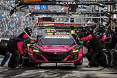 #86 Meyer Shank Racing w/Curb-Agajanian Acura NSX GT3, GTD: Mario Farnbacher, Matt McMurry, Shinya Michimi, Jules Gounon, pit stop