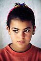 Irak 2000.Une petite fille du camp de Beneslawa.         Iraq 2000.A young girl in Beneslawa's camp