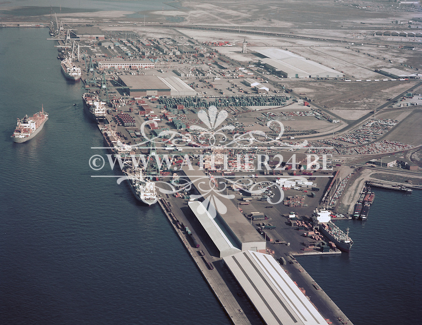 Maart 1972. Noord Natie aan het Churchilldok in de haven van Antwerpen.