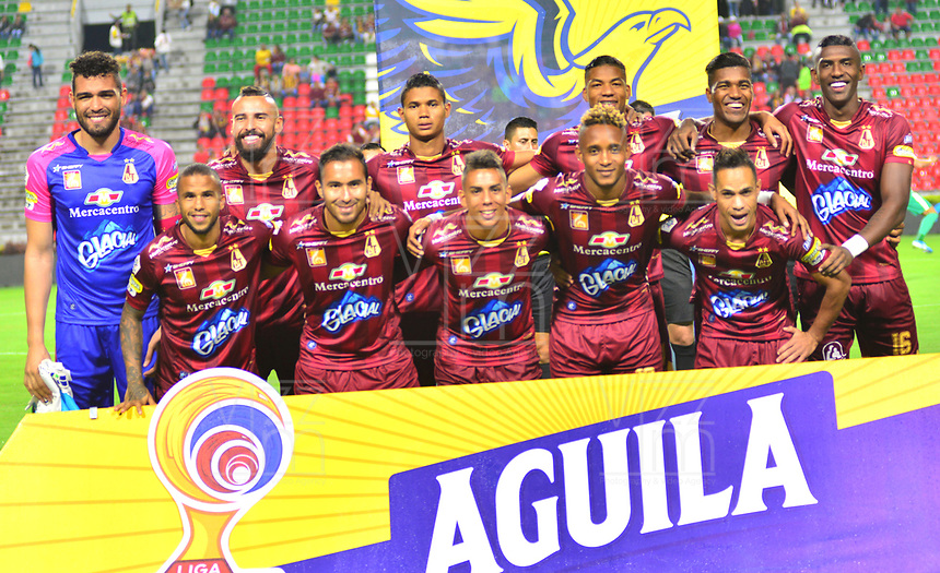 IBAGUÉ- COLOMBIA,20-09-2019:Formación del Deportes Tolima.Acción de juego entre los equipos  del Deportes Tolima y Equidad durante  partido por la fecha 12 de la Liga Águila II 2019 jugado en el estadio Manuel Murillo Toro de la ciudad de Ibagué. /Team of Deportes Tolima.Action game between teams  Deportes Tolima and Equidad during the 12 match for  the Liga Aguila I I 2019 played at the Manuel Murillo Toro stadium in Ibague city. Photo: VizzorImage / Juan Carlos Escobar  / Contribuidor
