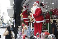 Campinas (SP), 17/12/2020 - Comercio/Natal - Movimentacao de consumidores no comercio de produtos e enfeites natalinos, na Av Francisco Glicerio, na cidade de Campinas (SP), nesta quinta-feira (17).  (Foto: Denny Cesare/Codigo 19/Codigo 19)