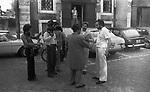 """MANUEL DE SICA CON PAOLO STOPPA E SALVATORE PUNTILLO<br /> SUL SET DE """"L'EROE"""" DI MANUEL DE SICA ROMA 1974"""