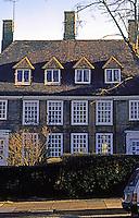 London: Hampstead Garden Suburb--Erskine Hill. Photo '90.