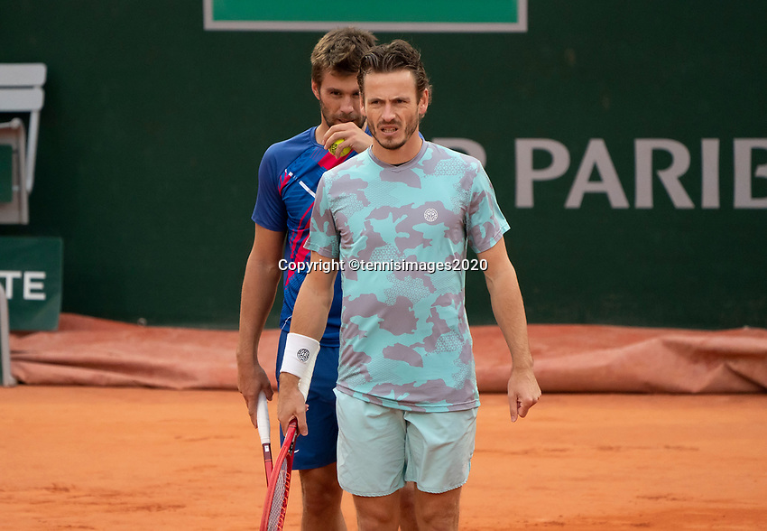 Paris, France, 06 /10/ 2020, Tennis, French Open, Roland Garros, Doubles quarter final : Wesley Koolhof (NED) (R) and Nikola Mektic  (CRO)<br /> Photo: Susan Mullane/tennisimages.com
