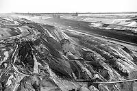 Miniera di superficie Jänschwalde, nella Bassa Lusazia, per l'estrazione della lignite --- Lignite surface mining in Jänschwalde, in the Lower Lusatia