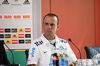 Nationaltrainer Kleiton Lima (BRA)<br /> PK zum Laenderspiel Deutschland vs. Brasilien *** Local Caption *** Foto ist honorarpflichtig! zzgl. gesetzl. MwSt. Auf Anfrage in hoeherer Qualitaet/Aufloesung. Belegexemplar an: Marc Schueler, Am Ziegelfalltor 4, 64625 Bensheim, Tel. +49 (0) 151 11 65 49 88, www.gameday-mediaservices.de. Email: marc.schueler@gameday-mediaservices.de, Bankverbindung: Volksbank Bergstrasse, Kto.: 151297, BLZ: 50960101