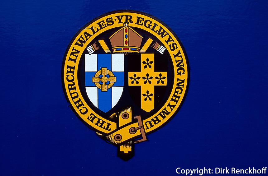 Großbritannien, Wales, Manorbier Wappen an Kirche
