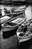 Europe/France/Provence-Alpes-Cote d'Azur/06/Alpes-Maritimes/Nice: Pointus des pêcheurs au port