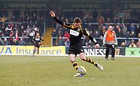 Photo: Richard Lane/Richard Lane Photography. London Wasps v Saracens. 12/02/2012. Wasps' Nick Robinson kicks.