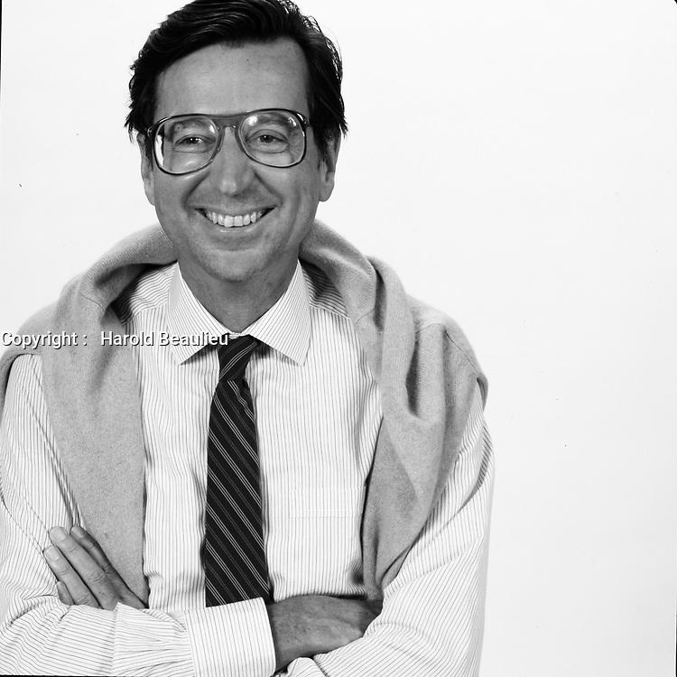 Portrait studio exclusif du<br /> Premier Ministre et chef du Parti Liberal du Quebec<br /> Robert Bourassa, vers 1985<br /> <br /> <br /> PHOTO :  Harold Beaulieu - Agence Quebec Presse