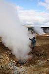 Islande..Massif rhyolithique de la caldeira de Torfajokull (glacier). Nombreux geysers et sulfatares. Islande.