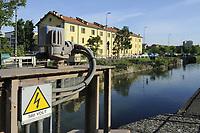 - Milano, naviglio Pavese, mini centrale idroelettrica presso la Conca Fallata<br /> <br /> - Milan, Naviglio Pavese canal , mini hydroelectric plant at Conca Fallata sluice