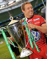 Jonny Wilkinson of RC Toulon celebrates with the trophy after winning the Heineken Cup Final between ASM Clermont Auvergne and RC Toulon at the Aviva Stadium, Dublin on Saturday 18th May 2013 (Photo by Rob Munro)