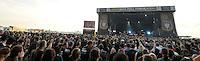 With Full Force Festival 2008 - 4.-6.7.2008  Flugplatz Roitzschjora b. Löbnitz - Das größte und breitgefächertste Metal- und Hardcorefestival in Ostdeutschland - drei Tage volle Dröhnung - über 60 Bands - Headliner in diesem Jahr u.a. Bullet for my Valentine , Machine Head , Ministry und In Flames - im Bild: die Masse / Crowd vor der Hauptbühne..Foto: Norman Rembarz.
