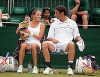 27-06-11, Tennis, England, Wimbledon, Rogier Wassen met zijn mixed partner Alicia Rosolska