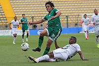 BOGOTÁ- COLOMBIA, 21-02-2021:Daniel Mantilla de La Equidad disputa el balón con Duvan Viafara de Once Caldas durante partido por la fecha 8 entre La Equidad y Once Caldas como parte de la Liga BetPlay DIMAYOR 2021 jugado en el estadio  Metropolitano de Techo  de la ciudad de Bogotá / Daniel Mantilla of La Equidad vies for the ball with Duvan Viafara of Once Caldas during match for the date 8 between La Equidad and  Once Caldas   as a part BetPlay DIMAYOR League I 2020 played at Metropolitano de Techo stadium in Bogota city. Photo: VizzorImage / Felipe Caicedo / Staff