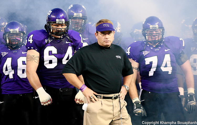 TCU's head coach Gary Patterson and his Horned Frogs make their entrance during a college football game against Utah on Thursday, October 18, 2007.  (Fort Worth Star-Telegram/Khampha Bouaphanh)