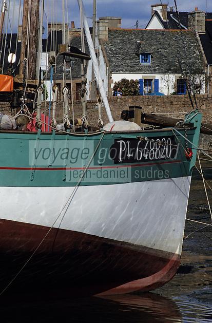 Europe/France/Bretagne/22/Côtes d'Armor/Côte de granit rose/Ploumanac'h: Le port
