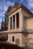 Tempel von Clitunno, evt. aus dem 4.Jh. bei Trevi, christliche Kirche, Umbrien, Italien