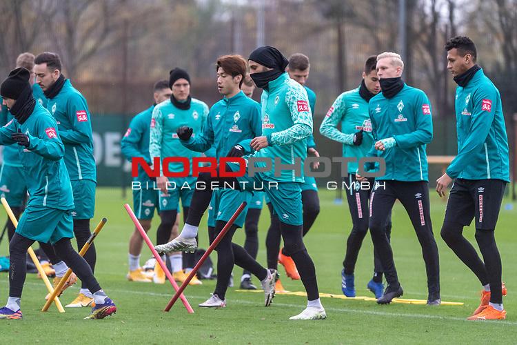 16.11.2020, Trainingsgelaende am wohninvest WESERSTADION - Platz 12, Bremen, GER, 1.FBL, Werder Bremen Training<br /> <br /> <br /> Kevin Möhwald / Moehwald (Werder Bremen #06)<br /> Julian Rieckmann (Werder Bremen II #33)<br /> Leonardo Bittencourt  (Werder Bremen #10)<br /> Ilia Gruev (Werder Bremen #28)<br /> Christian Groß / Gross (Werder Bremen #36)<br /> Ömer / Oemer Toprak (Werder Bremen #21)<br /> Davie Selke  (SV Werder Bremen #09)<br /> <br /> <br /> <br /> Foto © nordphoto / Kokenge *** Local Caption ***