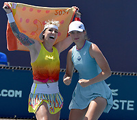MIAMI GARDENS, FL - MARCH 28: (NO SALES TO NEW YORK POST) Bethanie Mattek-Sands of the United States and Iga Swiatek of Poland defeat  Yifan Xu and Shuai Zhang of China on day 7 of the Miami Open on March 28, 2021 at Hard Rock Stadium in Miami Gardens, Florida<br /> <br /> <br /> People:  Bethanie Mattek-Sands, Iga Swiatek