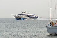 - Hydrofoil ferry of the Toremar company (Tirrenia Group) from Piombino to Portoferraio (Elba island)....- Aliscafo della compagnia Toremar (Gruppo Tirrenia) a Portoferraio (Isola D'Elba)