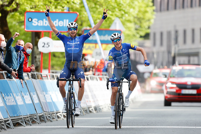 Mikkel Honoré (DEN) and Josef Cerny (CZE) Deceuninck-QuickStep cross the finish line together of Stage 5 of the Itzulia Basque Country 2021, running 160.2km from Hondarribia to Ondarroa, Spain. 9th April 2021.  <br /> Picture: Luis Angel Gomez/Photogomezsport | Cyclefile<br /> <br /> All photos usage must carry mandatory copyright credit (© Cyclefile | Luis Angel Gomez/Photogomezsport)