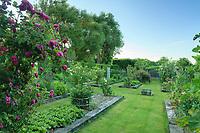 Les jardins du prieuré d'Orsan : le potager et jardin bouquetier<br /> <br /> Mention obligatoire du nom du jardin et pas d'usage publicitaire sans autorisation préalable.