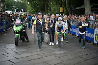 runner-up in the GC Johan Esteban Chaves (COL/Orica-GreenEDGE) escorted to the podium<br /> <br /> stage 21: Cuneo - Torino 163km<br /> 99th Giro d'Italia 2016