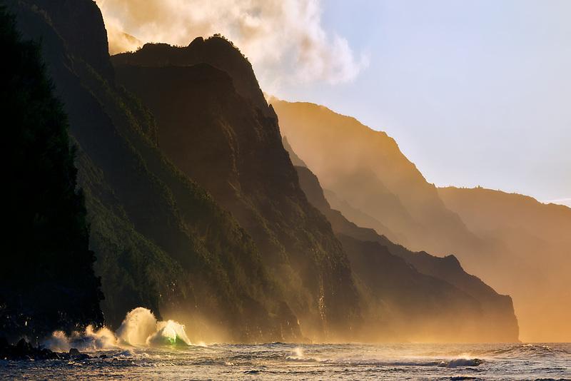 Crashing waves at Ke'e Beach. Kauai, HI