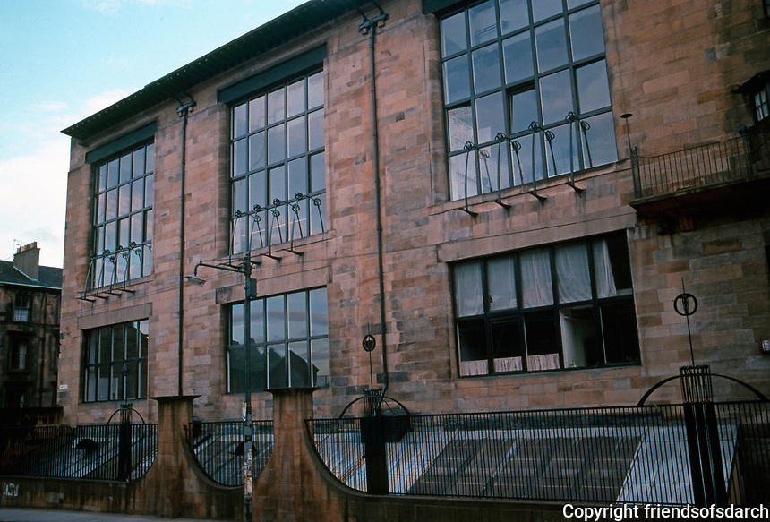 Charles Rennie Mackintosh: Glascow Art School. North Facade, East Wing, 1897-99.