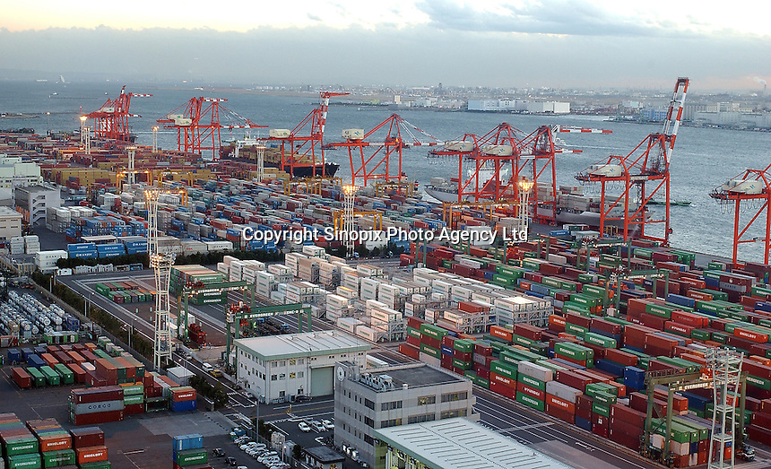 A large container yard and container ship terminal at Tokyo Bay, Tokyo, Japan..11 Jan 2005