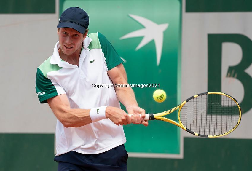 Paris, France, 2 june 2021, Tennis, French Open, Roland Garros, Second  round  match: Botic van de Zandschulp (NED) <br /> Photo: tennisimages.com