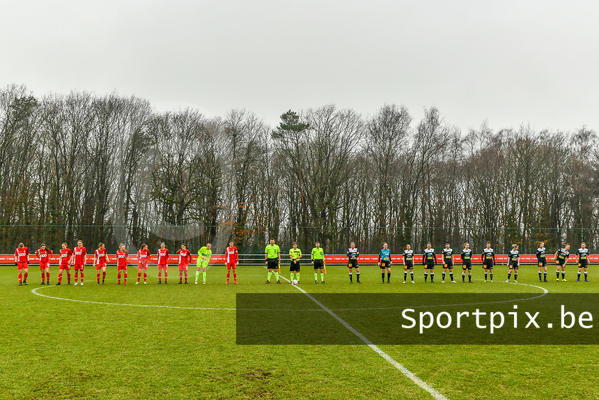 line up team Standard ( Aster Janssens (5) of Standard , Constance Brackman (20) of Standard , Elien Nelissen (15) of Standard , Sylke Calleeuw (9) of Standard , Charlotte Cranshoff (18) of Standard , Gwyneth Vanaenrode (3) of Standard , Davinia Vanmechelen (25) of Standard , Noemie Gelders (10) of Standard , Lola Wajnblum (11) of Standard , Goalkeeper Lisa Lichtfus (16) of Standard , Maurane Marinucci (7) of Standard ) , assistant referee Romain Delree , referee Sylvie Deckers , assistant referee Geoffrey Quaranta and team Eendracht Aalst ( Chloe Van Mingeroet (17) of Eendracht Aalst , Goalkeeper Silke Baccarne (1) of Eendracht Aalst , Anke Vanhooren (7) of Eendracht Aalst , Valentine Hannecart (8) of Eendracht Aalst , Annelies Van Loock (9) of Eendracht Aalst , Tiana Andries (11) of Eendracht Aalst , Justine Blave (22) of Eendracht Aalst , Stephanie Van Gils (27) of Eendracht Aalst , Loes Van Mullem (33) of Eendracht Aalst , Margaux Van Ackere (37) of Eendracht Aalst , Niekie Pellens (41) of Eendracht Aalst ) pictured before a female soccer game between Standard Femina de Liege and Eendracht Aalst on the 12 th matchday of the 2020 - 2021 season of Belgian Scooore Womens Super League , saturday 30 th of January 2021 in Angleur , Belgium . PHOTO SPORTPIX.BE | SPP | STIJN AUDOOREN