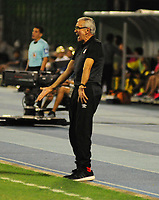BARRANCABERMEJA- COLOMBIA - 17 - 02 - 2018: Gregorio Perez, técnico de Independiente Santa Fe, durante partido Alianza Petrolera y el Independiente Santa Fe, de la fecha 4 por la Liga Aguila I 2018 en el estadio Daniel Villa Zapata en la ciudad de Barrancabermeja. / Gregorio Perez, coach Independiente Santa Fe, during a match between Alianza Petrolera and Independiente Santa Fe, of the 4th date for the Liga Aguila I 2018 at the Daniel Villa Zapata stadium in Barrancabermeja city. Photo: VizzorImage  / Jose D Martinez / Cont.