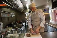 Europe/France/Midi-Pyrénées/31/Haute-Garonne/Quint-Fonsegrives: Sylvain Joffre  restaurant: En pleine nature<br />  [Non destiné à un usage publicitaire - Not intended for an advertising use]