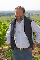 Pascal Delbec, owner and wine maker in the vineyard  Chateau Belair (Bel Air) 1er premier Grand Cru Classe  Saint Emilion  Bordeaux Gironde Aquitaine France