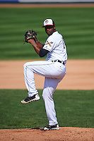 Erie Seawolves pitcher Montreal Robertson (17) delivers a pitch during a game against the Harrisburg Senators on August 30, 2015 at Jerry Uht Park in Erie, Pennsylvania.  Harrisburg defeated Erie 4-3.  (Mike Janes/Four Seam Images)