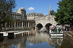 Great Britain, Bath and NE Somerset, Bath: Tour boats and Pulteney Bridge, designed in 1774 by Robert Adam