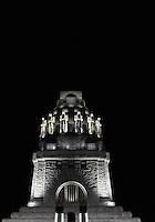 Völkerschlachtdenkmal bei Nacht  - das Denkmal erinnert an die große Schlacht bei Leipzig am 18. Oktober 1813 vor den Toren von Leipzig.  Foto: Norman Rembarz