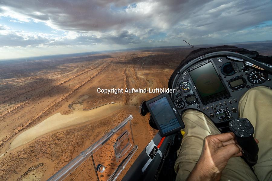 Landung in Pokweni: NAMIBIA, AFRIKA, 18.11.2019: Landung in Pokweni