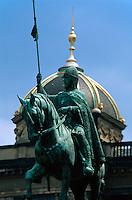 Wenzelsplatz (Vaclavske namesti), Denkmal des heiligen Wenzel von Josef Myslbek, Prag, Tschechien, Unesco-Weltkulturerbe.