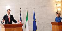 Il Segretario di Stato degli Stati Uniti John Kerry ed il Ministro degli Esteri Emma Bonino, a destra, incontrano la stampa al termine del loro incontro alla Farnesina, Roma, 9 maggio 2013..U.S. Secretary of State John Kerry and Italian Foreign Minister Emma Bonino, right, meet press at the Farnesina Foreign Ministry in Rome, 9 May 2013..UPDATE IMAGES PRESS/Riccardo De Luca