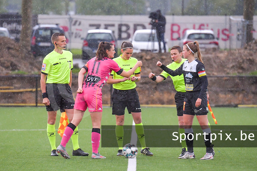assistant referee Cedric Beheydt , Noemie Fourdin (11) of Sporting Charleroi , referee Caroline Lanssens , assistant referee Ella De Vries , Chloe Van Mingeroet (17) of Eendracht Aalst  pictured during a female soccer game between Sporting Charleroi and Eendracht Aalst on the 8th matchday in play off 2 of the 2020 - 2021 season of Belgian Scooore Womens Super League , tuesday 18 th of May 2021 in Marcinelle , Belgium . PHOTO SPORTPIX.BE | SPP | STIJN AUDOOREN