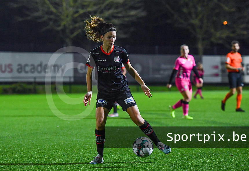 Amber De Priester (6) of Zulte-Waregem pictured during a female soccer game between Sporting Charleroi and SV Zulte-Waregem on the 12 th matchday of the 2020 - 2021 season of Belgian Scooore Womens Super League , friday 29 th of January 2021  in Marcinelle , Belgium . PHOTO SPORTPIX.BE | SPP | DAVID CATRY